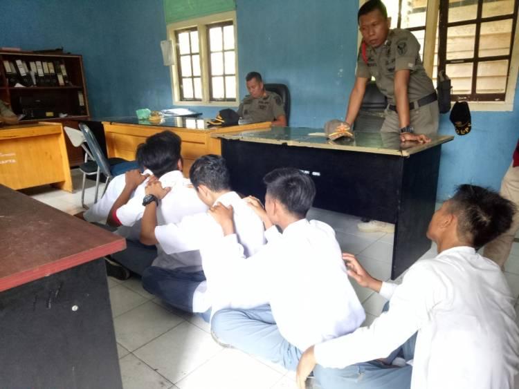 Koplak, Pelajar Ini Ditanya Nama Gubernur Jambi, Jawabannya Jamal!!