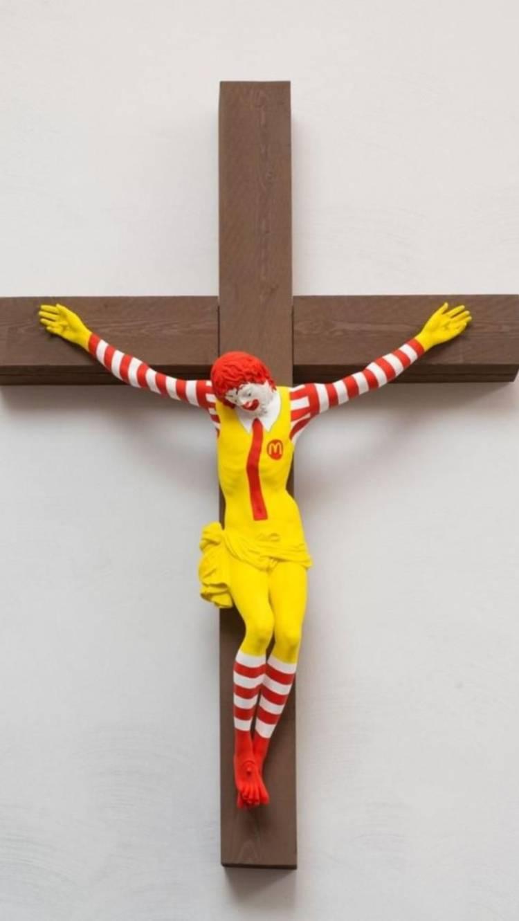 Abunassar: Salib 'McJesus' Hina Simbol Kristen