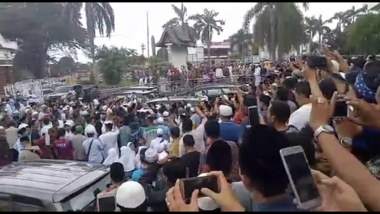 Merinding!! Sandi: Takbirrr, Dijawab Jamaah Masjid Al Falah Jambi, Allahu Akbar