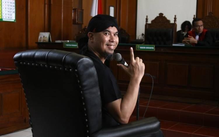 Diadili Lagi, Ahmad Dhani Didakwa Pasal Pencemaran Nama Baik