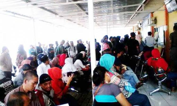 Gawat, Calo Terang-terangan Tawarkan Pengurusan di Disdukcapil Cianjur