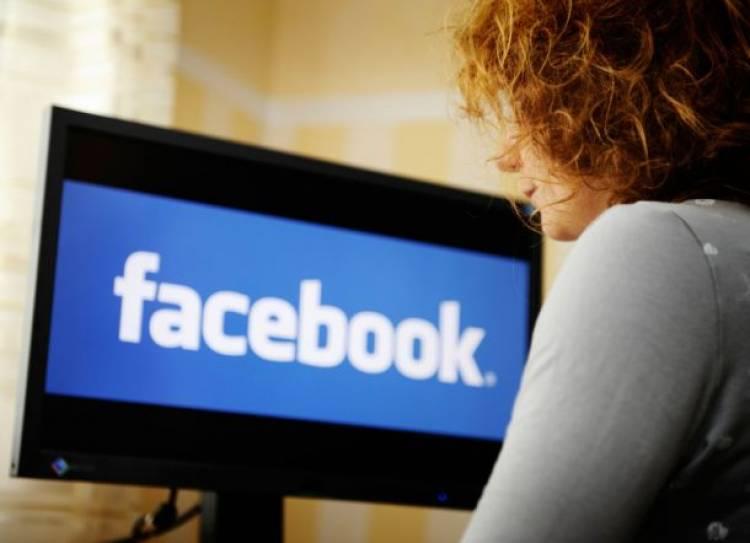Gara-gara Misinformasi Vaksin, Google dan Facebook Dikritik