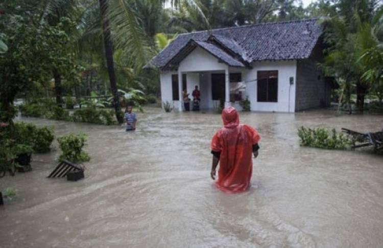 Tanggul Jebol Paksa 344 Warga Kulonprogo Mengungsi
