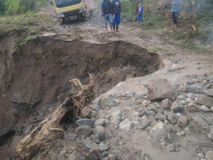 Banjir Bandang Terjang Merangin, Akses Jalan Empat Desa Terputus
