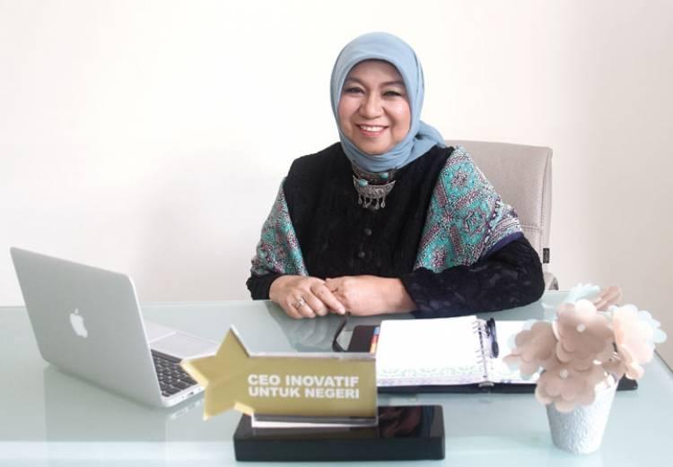 Bos Wardah Kosmestik Perempuan Pertama Penerima Doktor Kehormatan ITB