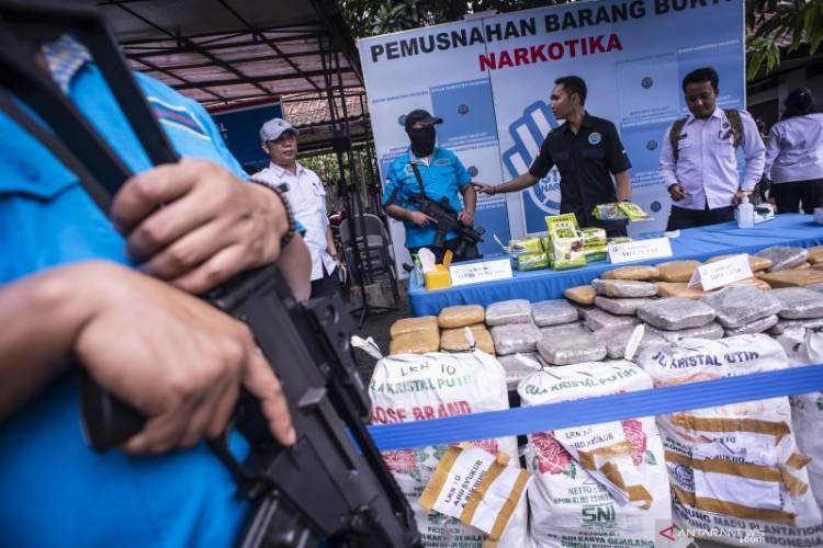 Coba Kabur, Anggota BNN Jambi Tembak Kurir Sabu