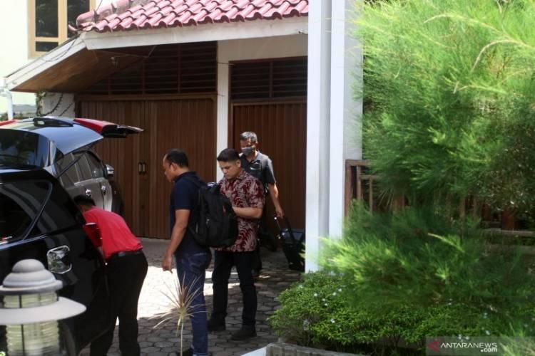 Sekda Bungkam Soal Penggeledahan KPK di Rumah Bupati Solok Selatan
