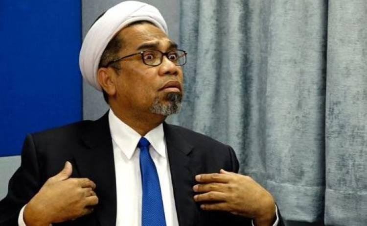 BPN Minta Bongkar Makam KPPS, Ngabalin: Bagaimana Mungkin Ajal Bisa Digugat?