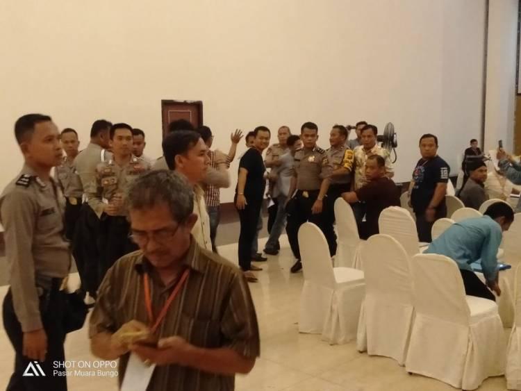PANAS!! Saksi Demokrat Ribut di Pleno KPU Bungo, Ini Penyebabnya…