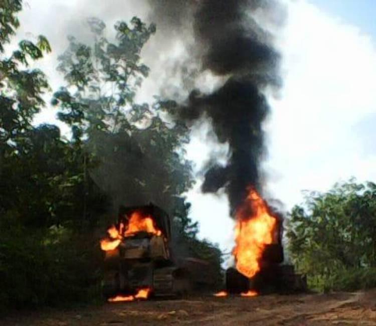 Warga Marah, Alat Berat PT LAJ di Tebo Dibakar