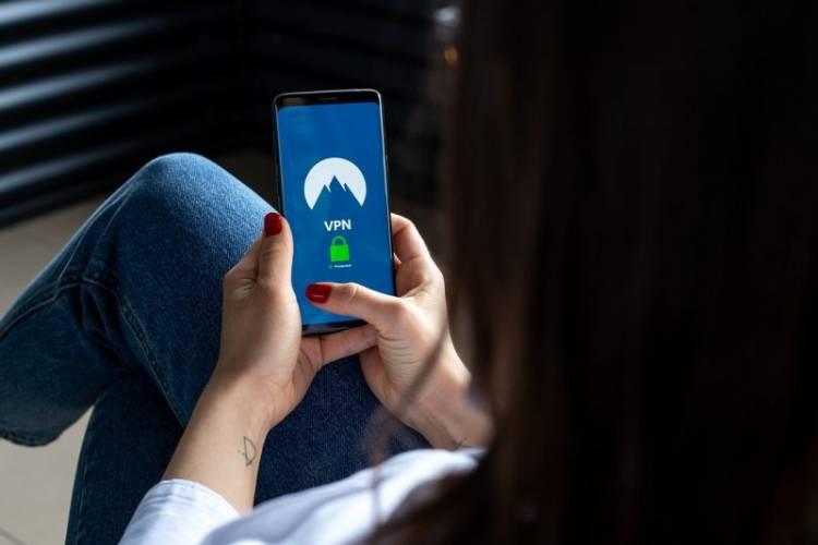 Kominfo Minta Warganet Hapus Aplikasi VPN