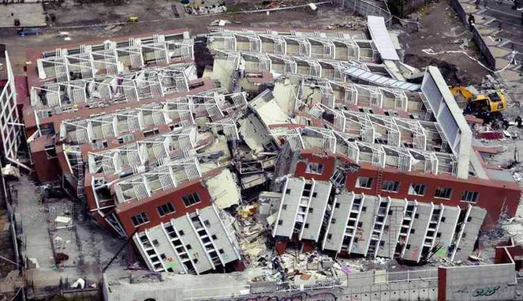 Gempa 8 Magnitudo Guncang Peru