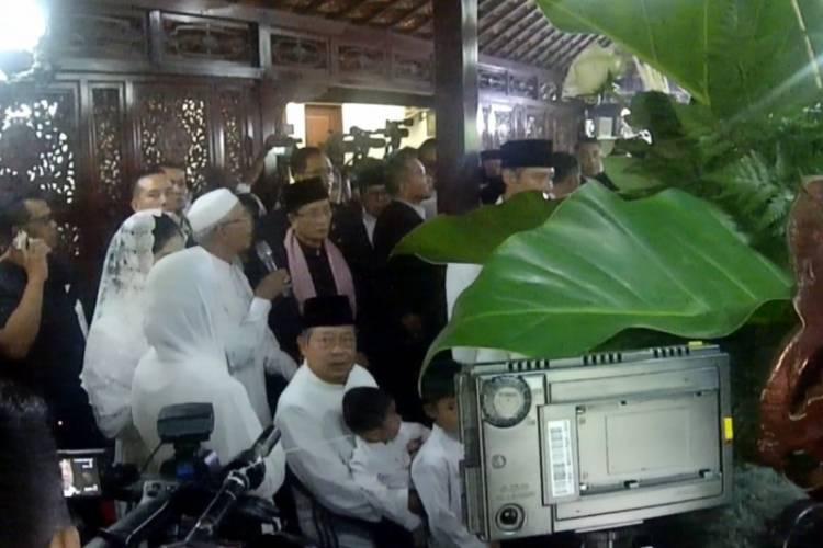 Terharu! SBY Sempat Satukan Air Mata Ani Dengan Air Matanya