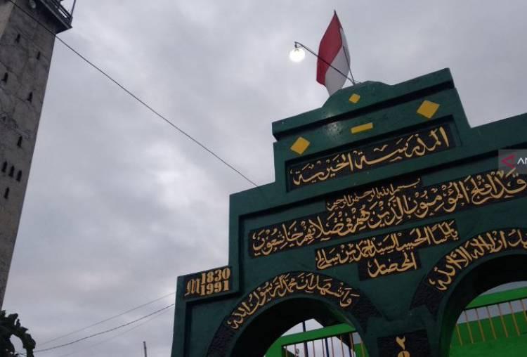Jamaah Al Muhdlor Kapok Diliput Media Saat Shalat Id Awal