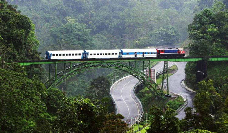 Terungkap, 210 KM Rel Kereta Api Sumbar Mati Suri