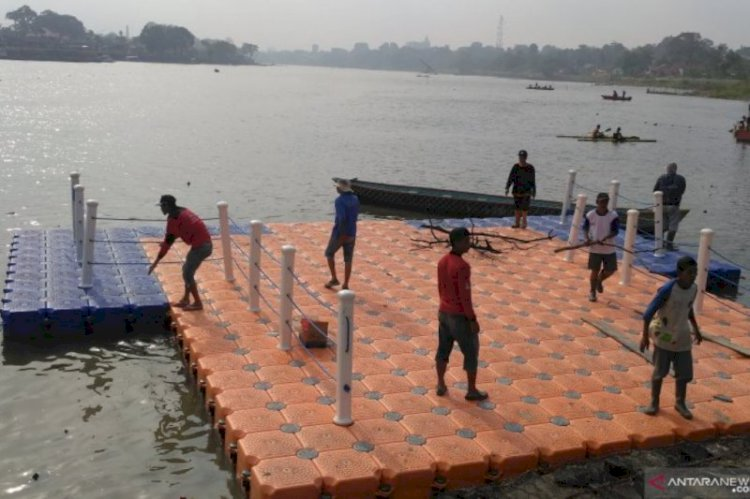 Pedayung Jambi  Ramaikan Lomba Pacu Perahu di Danau Sipin