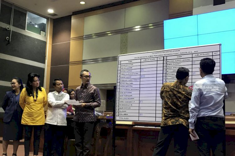DPR Sahkan Sembilan Komisioner KPI Terpilih 2019-2022