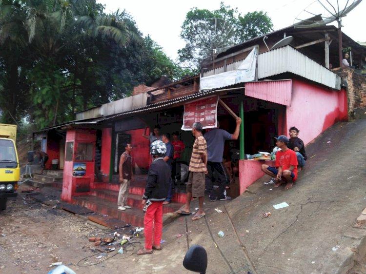 BREAKING NEWS!! Satu Rumah dan Warung di Jujuhan Bungo Ludes Terbakar Pagi Ini