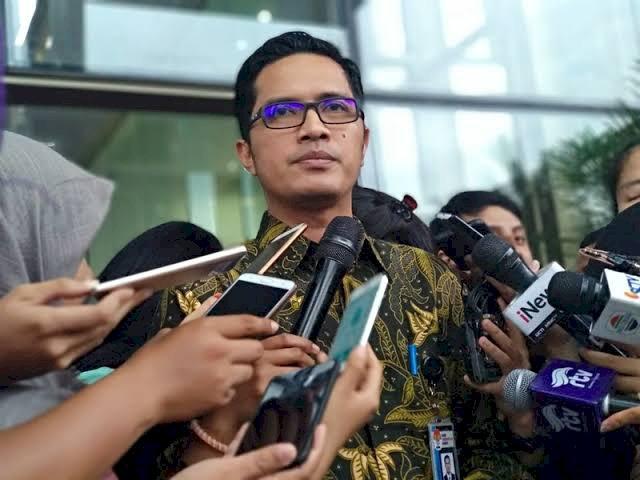 KPK Periksa Tiga Tersangka Suap Pengesahan RAPBD Jambi