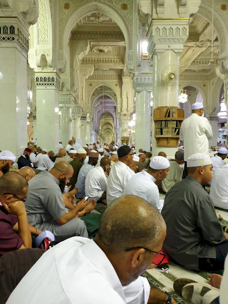 Jemaah Jambi Ingin Sholat Magrib di Masjidil Haram Datang Dua Jam Lebih Awal