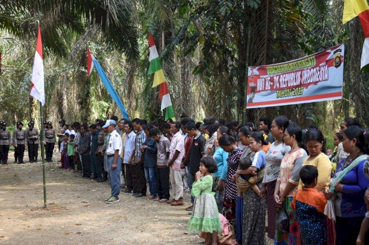 Cinta NKRI, Suku Anak Dalam Jambi Upacara HUT RI dan Dipimpin Kapolres Merangin