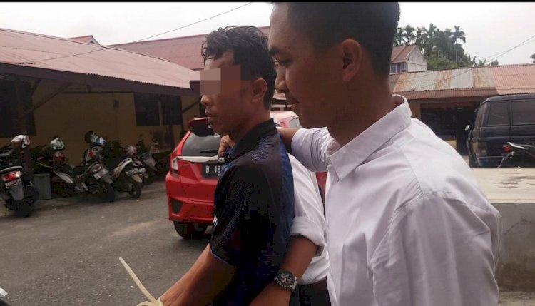 Sempat Buron, Oknum Guru Cabul Ini Pulang ke Rumah dan Berakhir dengan Polisi