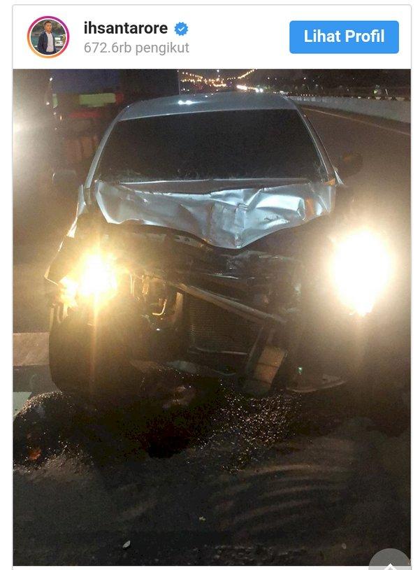 Terlibat Kecelakaan Mobil Ihsan Tarore Ringsek Berat