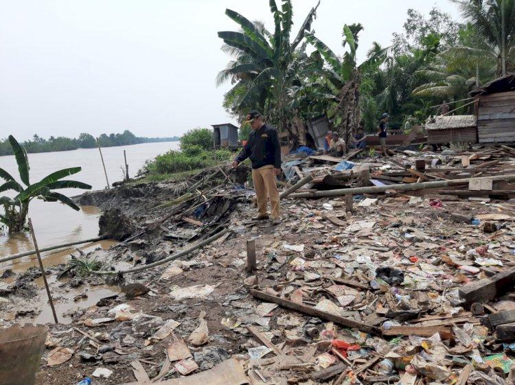 Warga Pasrah Lima Rumah di Desa Ketapang Tanjab Barat Dihancurkan
