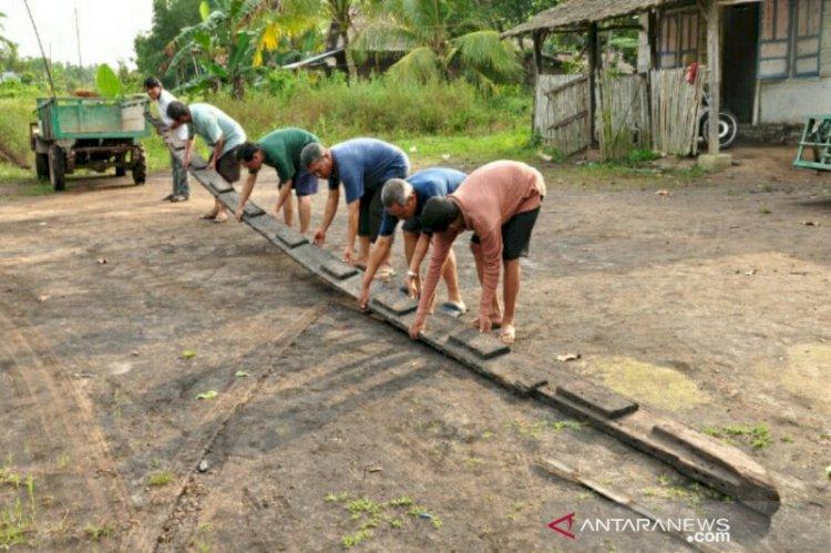 Penemuan Bersejarah! Arkeolog Teliti Temuan Perahu Kuno Abad 1 di Pantai Timur Sumatera Selatan