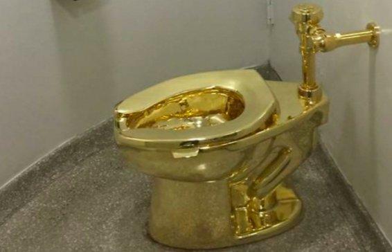 Kok Bisa ya? Toilet Emas di Istana Inggris Digondol Maling