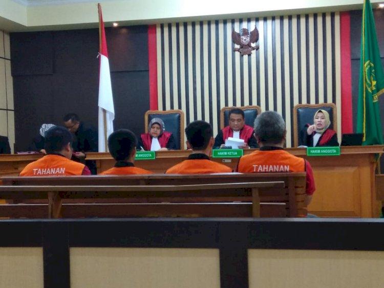 Hakim Cecar Siapa Pembawa 8.000 Butir Ekstasi Dipersidangan