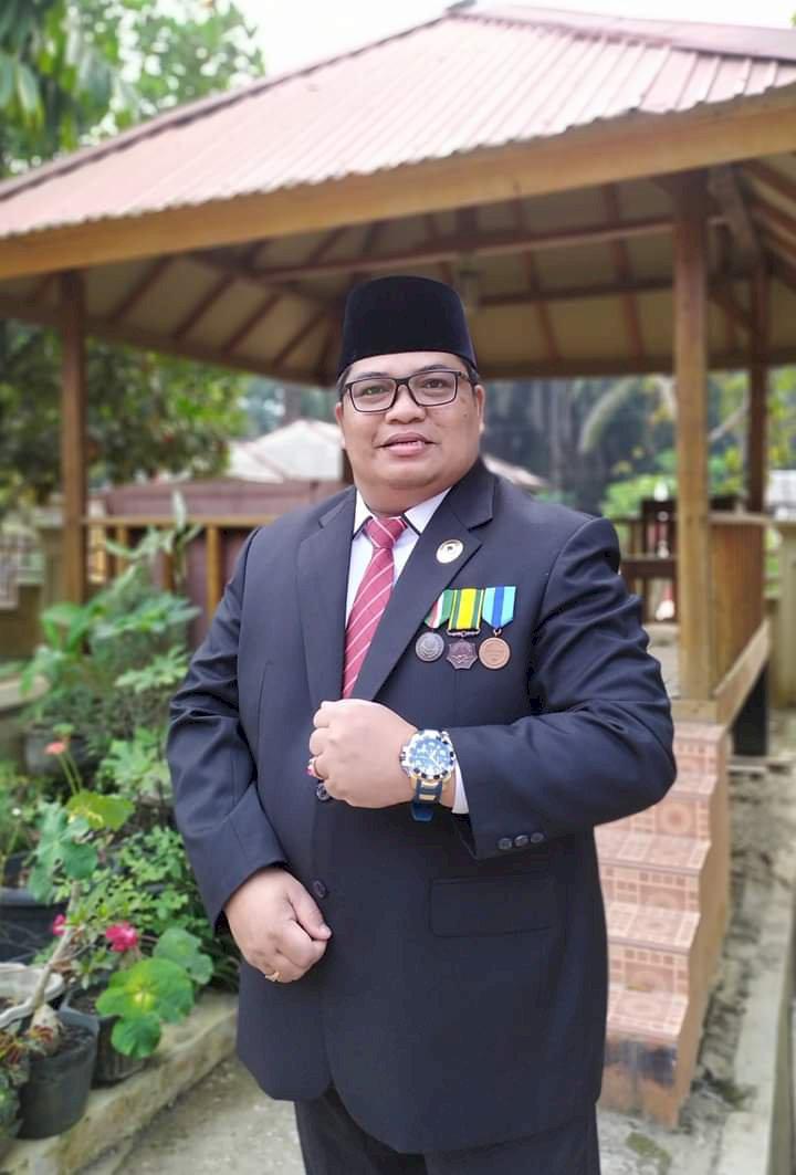 SAH!! Purnawirawan TNI AD Ini Jadi Ketua DPRD Merangin Definitif