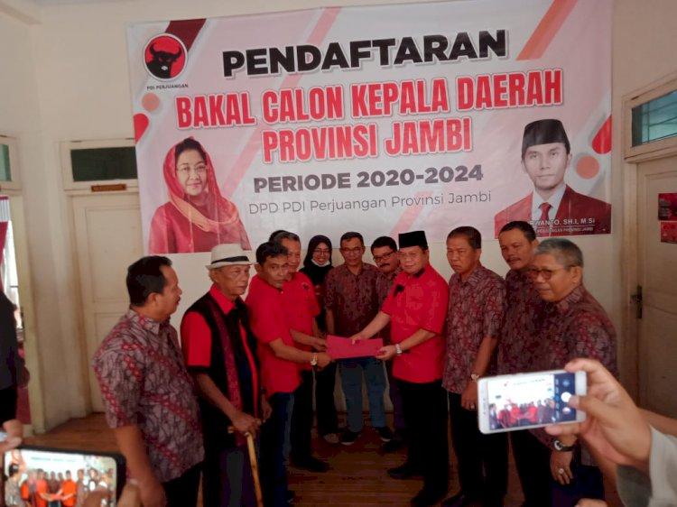 Perebutan Kursi PDIP Berat! Ramli Thaha Kembalikan Formulir Pendaftaran Bacagub