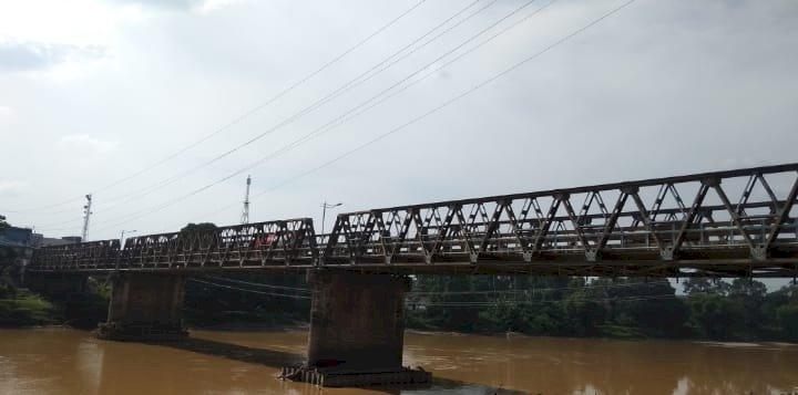 Jembatan Lama Mulai Goyang, Cek Endra Janji Bangun Jembatan Kembar Sarolangun