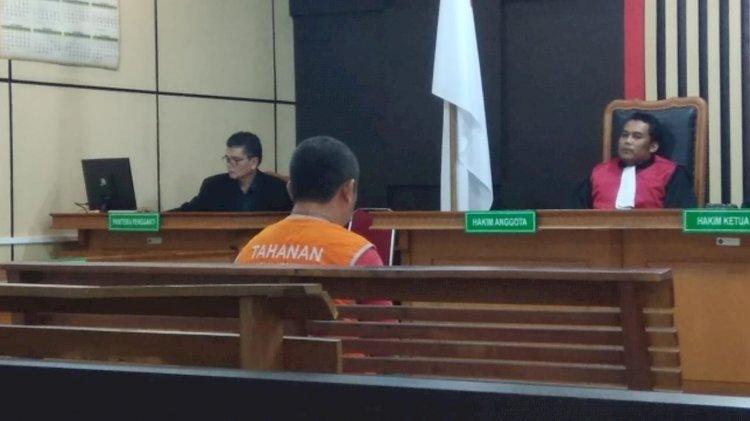 Nasib! Pria Ini Duduk di Kursi Pengadilan Gara-gara Jualan Togel di Warung Tuak
