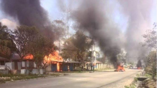 Wamena Rusuh, Kantor Bupati Dibakar