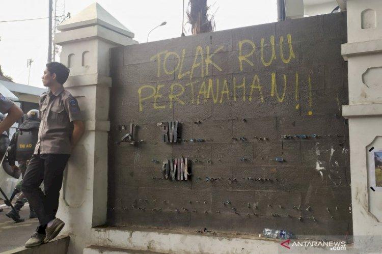 Polisi Amankan 68 Orang Pasca Aksi di DPRD Jabar, Empat Ditahan