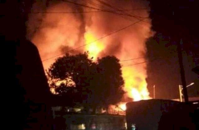 Lima Ruko Dikabarkan Hangus Terbakar