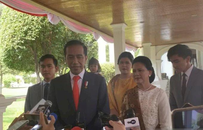 Jelang Pelantikan, Jokowi Sempat Momong Cucu