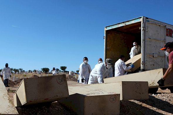 Polisi Selidiki Penemuan 39 Mayat dalam Sebuah Truk