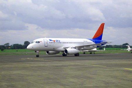 Pesawat Superjet Sukhoi Mendarat Darurat
