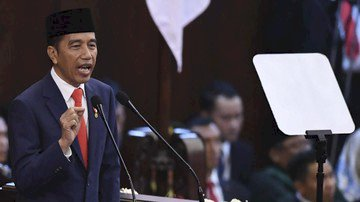Jokowi: Ratusa Ribu Cangkul yang Dibutuhkan Masih Impor?