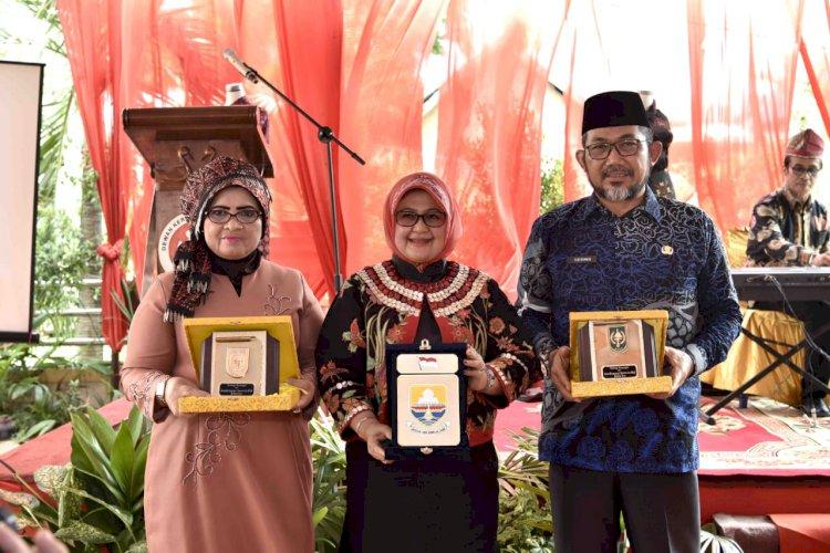 Tingkatkan Kualitas Batik Jambi, Ketua Dekranasda Jambi Gandeng Desainner Eddy Betti