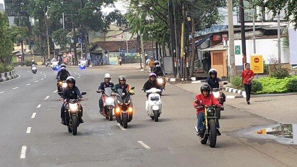 Mahasiswa FH UKI Gugat UU LLAJ ke MK, Bandingkan Jokowi Pakai Moge Tak Nyalakan Lampu
