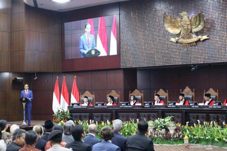 Jokowi Sebut Indonesia Obesitas Regulasi