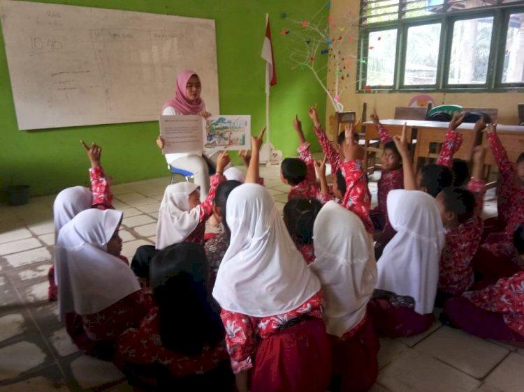 Gunakan Buku Besar dan Kelas Nyaman, Cerita Guru di Tanjab Timur ini Bisa Sangat Menginspirasi