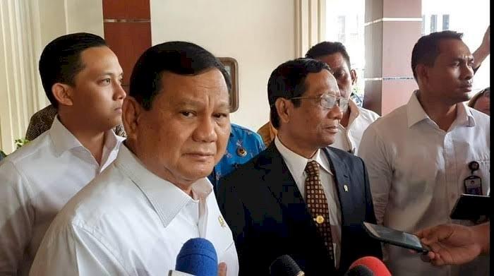 Pesawat Hercules Bawa Alat Kesehatan dari China Tiba di Halim, Prabowo: Asal Kita Kompak Tidak Panik