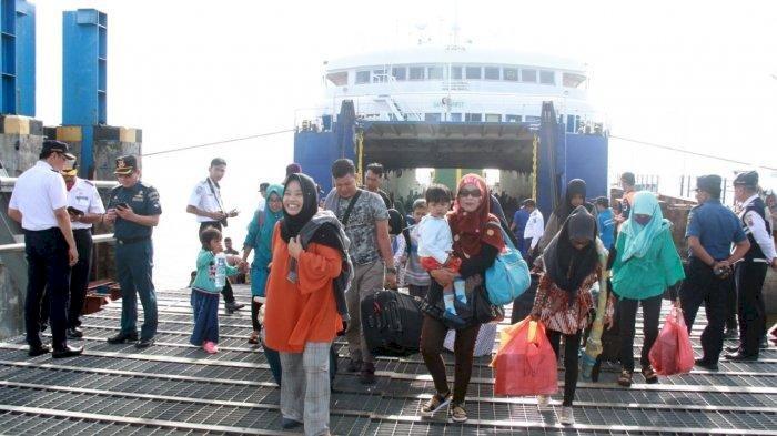 Pemkab Tanjab Barat Minta Pelabuhan Stop Pengangkutan Orang